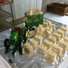 My future son will have a John Deere party! My future son will have a John Deere party! Tractor Birthday Cakes, Cowboy Birthday Party, Animal Birthday, Boy Birthday Parties, 2nd Birthday, Birthday Ideas, Tractor Cakes, Red Tractor, John Deere Tractors