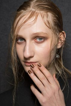 Just Cavalli Fall 2015 Latest Nail Art, Fashion Week 2015, Winter Beauty, Nail Trends, Glitter Nails, Fall Winter 2015, Nail Care, Best Makeup Products, Cavalli