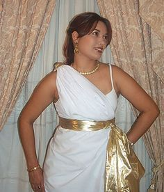 How to tie a toga tutorial diy and crafts pinterest how to make a toga for your next halloween party diy togatoga costume solutioingenieria Images