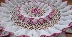 Olá pessoal, boa noite!   Confira o gráfico para fazer toalha redonda de crochê!  Espero que consigam fazer!                    Fonte:http:...