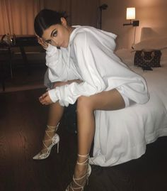Fashion by Kendall and Kylie Jenner Kris Jenner, Kylie Jenner Flash, Kylie Jenner Fotos, Trajes Kylie Jenner, Kendall Y Kylie Jenner, Looks Kylie Jenner, Kylie Jenner Instagram, Kylie Jenner Style, Kylie Jenner White Dress