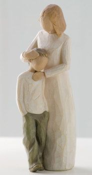 Who can describe the unique love of mother and son. shown here in Susan Lordi's Willow Tree ® keepsake figurine Mother and Son; Celebrating the bond of love between mothers and sons. Willow Tree ® Mother and Son by Susan Lordi Willow Tree Familie, Willow Tree Engel, Willow Tree Figuren, Willow Figurines, Love Statue, I Love My Son, Tree Illustration, Illustrations, Sculpture