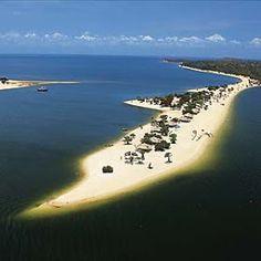 A praia de Alter do Chão, que fica às margens do Rio Tapajós, no Pará, foi eleita por um jornal inglês como a mais linda do Brasil