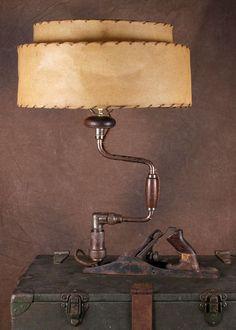 Vintage Wood Planer and Hand Drill Lamp Vintage Industrial Furniture, Vintage Wood, Unique Lighting, Industrial Lighting, Gouts Et Couleurs, Luminaire Original, Deco Cool, Wood Planer, Steampunk Lamp