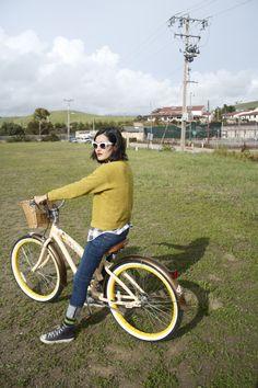 sunglasses. outfit. bike. <3 via Milk Teeths -http://milkteeths.blogspot.mx/2012/04/get-away.html