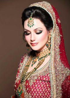 The perfect Indian bride... Follow me for more awesome designs..