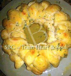 Susan Recipe: PULL-APART GARLIC BREAD