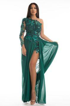 ROCHIE LUNGA DE SEARA VERDE CU APLICATII 3D rochie din voal si dantela cu aplicatii 3D cu un umar gol rochia este crapata pe picior lungime de la subrat 142cm Fabricata in Romania Prom Dresses, Formal Dresses, Fashion, Green, Dresses For Formal, Moda, Formal Gowns, Fashion Styles, Formal Dress