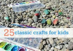 25 classic crafts for kids to make. How many of these did you make as a kid ?