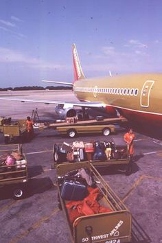 Southwest Airlines 737-200, 1979 -- Photo from Dylan Cannon #aviationglamourairports