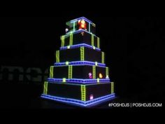 This Wedding Cake That Plays Donkey Kong Will Change The Way We Get Married - the nerd in me loves this Geek Wedding, Our Wedding, Dream Wedding, Wedding Ideas, Zombie Wedding, Wedding Planning, Wedding Gold, Wedding Stuff, Donkey Kong