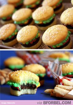 Cupcakes that look like Hamburgers. I am so confused.