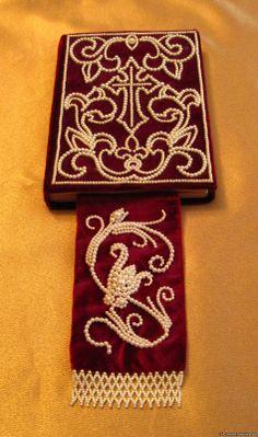 from zol-zhemchuzhina.ru   Golden Pearl -  Site has beautiful beaded Orthodox Church embroidery.