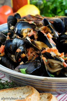 Portuguese-Style Mussels in Garlic Cream Sauce - A delicious appetizer inspired by a fantastic dinner in New Bedford, Massachusetts Grilled Shrimp Recipes, Seafood Recipes, Cooking Recipes, Healthy Recipes, Mussel Recipes, Shellfish Recipes, Top Recipes, Healthy Meals, Seafood