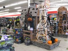 i have always loved the awesome displays in my local spirit halloween store i really miss the spirit store this year