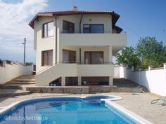 bulgaria - 6persons - max.600e/per week - private pool- need a car