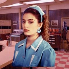 'Twin Peaks is obviously one of the best TV shows ever made for sooo many reasons. But we'd have to say aesthetic is definitely at the top of the listand specifically the amazing looks pulled off by the women in the show. To celebrate this we created a guide to recreating all the best beauty looks Click the link in our bio for the full guide! Story by @jennaroseigneri  via NYLON MAGAZINE OFFICIAL INSTAGRAM - Celebrity  Fashion  Haute Couture  Advertising  Culture  Beauty  Editorial…