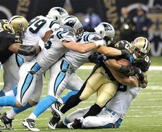 It takes every player on the field to take down Pierre Thomas!