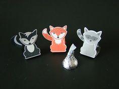 Foxy Friends Hershey's Kiss Tents | Video Tutorial, Foxy Friends Stamp Set, Fox Builder Punch, Favors, Hershey's Kisses, Fox, Skunk, Raccoon, Stampin' Up, Qbee's Quest, Brenda Quintana
