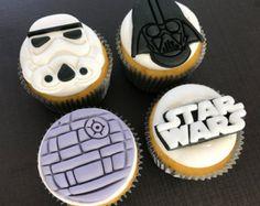 12 Star Wars BB8 Cupcake Toppers-Fondant por bakerslovebakery
