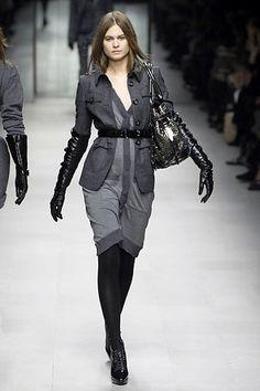 Burberry Fall 2007 Ready-to-Wear Fashion Show - Behati Prinsloo