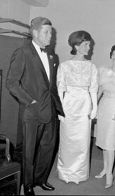 Jfk And Jackie Kennedy, Robert Kennedy, American Presidents, Beautiful Wife, Historical Photos, Royals, Vintage Ladies, Families, Legends