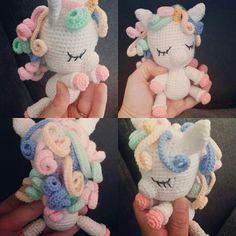 40 Best Ideas For Crochet Amigurumi Horse Yarns Crochet Pony, Crochet Unicorn Pattern, Crochet Horse, Crochet Mittens, Crochet Toys Patterns, Crochet Patterns Amigurumi, Cute Crochet, Amigurumi Doll, Stuffed Toys Patterns