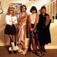 Queen - I want to break free... awesome music video!
