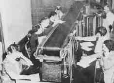 Complaint Board and Overhead Conveyor Police Radio, Los Angeles Police Department, 1930s, History, Board, Historia, Planks