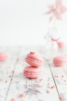 pink macaron by enrimassari