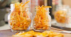 A narancs szuperegészséges nassolnivaló, készülhet belőle dzsúsz, de kerülhet süteménybe, sőt, húsok mellé is. A héját azonban csak ritkán használjuk fel, legtöbbször a kukában végzi. Limoncello, Macaroni And Cheese, Ethnic Recipes, Food, Mac And Cheese, Essen, Meals, Yemek, Eten