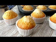 Magdalenas de nata. Hace mucho que no publico magdalenas ni muffins. Y es que últimamente en casa se hacen más bizcochos para los desayunos de la semana. Cheesecake Cake, Cannoli, Spanish Food, Bread Recipes, Food To Make, Cupcake Cakes, Biscuits, Muffins, Good Food