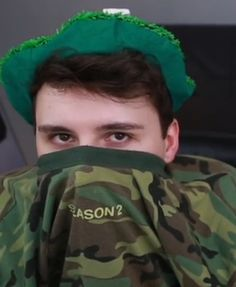 Why is there no one in the pic?? (btw I know I see Dan)