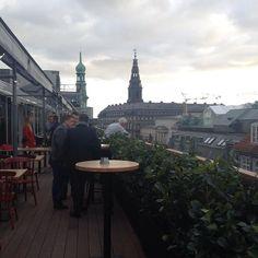 Så er det i dag at @skagenfiskerestaurant slår dørene op på toppen af @illumcph - og de vil bl.a. byde på denne flotte udsigt  #restaurant #København #kbh #fisk #udsigt #foodie #delditkbh #instagram