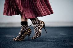 821c02653393c Milan Fashion Week Spring 2018 Street Style Photos - Coveteur Celebrity  Style Inspiration, Spring Trends