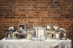 You can use vintage frame to display old family photos, or use vintage mirrors as seating charts, menus or table numbers.