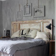 Bonne nuit idée tête de lit avec ancienne porte ponçage léger pour effet ancien #love #deco #diy #home #interior #interieur