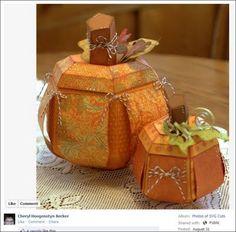 Dragonfly Designs: Beginning of an Autumn centerpiece. Fall Pumpkins, Halloween Pumpkins, Halloween Crafts, Halloween Decorations, Halloween Ideas, Thanksgiving Crafts, Fall Crafts, Holiday Crafts, Autumn Decorating