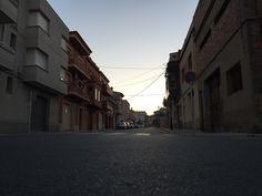 Amb la cámara a Terra , foto d'un carrer