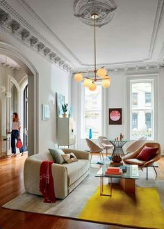 Traditional architecture, modern furnishings, cherry palette