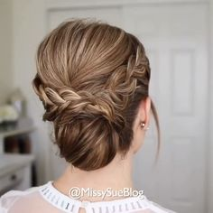 Braided Updo Tutorial 😍 - Braided Updo Tutorial 😍 So creative! Up Dos For Medium Hair, Medium Hair Styles, Short Hair Styles, Medium Length Hair Updos, Medium Hair Updo, Easy Hairstyles For Long Hair, Diy Hairstyles, Men's Hairstyle, Wedding Hairstyles