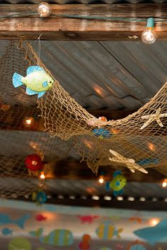 1000 images about cruise door decorations on pinterest for Fish net decoration ideas