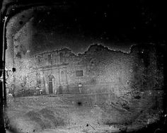 1849 Alamo oldest known picture taken before renovation began in 1850.