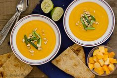A creamy and spicy butternut squash soup, filled with Thai flavors. This soup is the perfect way to keep warm on a cold night!   What is this? An actual recipe instead of a sweet? I know, I know – things have been definitely leaning towards the sweet [...]