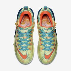 The Nike Lebron 12 Low Lebronold Palmer will launch via Nike this Saturday. http://thesolesupplier.co.uk/products/nike-lebron-12-low-lebronold-palmer/