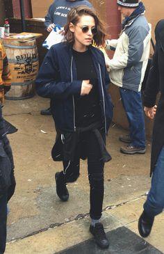 Kristen Stewart black pants, black sneakers, socks, warm, winter, sweater, layers