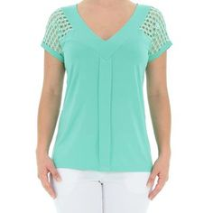 Blusa em Malha de Viscose Lisa com Decote V - Del Carmen By Sarruc.
