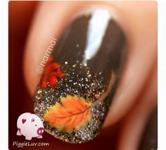 Autumn leaves on glitter gradient PiggieLuv: Fall nail art! Autumn leaves on glitter gradientPiggieLuv: Fall nail art! Autumn leaves on glitter gradient Fancy Nails, Diy Nails, Cute Nails, Manicure Ideas, Trendy Nails, Thanksgiving Nail Art, Fall Nail Art Designs, Fall Designs, Toenail Designs Fall