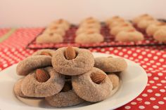These Amaretti Cookies are so easy to make, they make a ton dozen!) they are full of almond flavor and they go perfectly with a cup of tea or coffee! Italian Wedding Cookies, Italian Christmas Cookies, Italian Cookies, Christmas Baking, Italian Desserts, Italian Pastries, Christmas Recipes, Sicilian Recipes, Pastry Recipes
