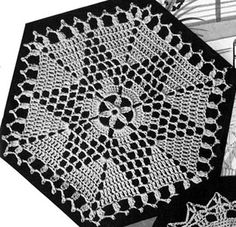 Hexagon Motif crochet pattern from Bedspreads, originally published by the Spool Cotton Company, Book 151, in 1940.